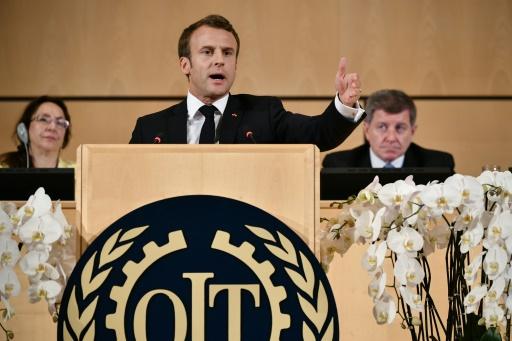 Emmanuel Macron dénonce les